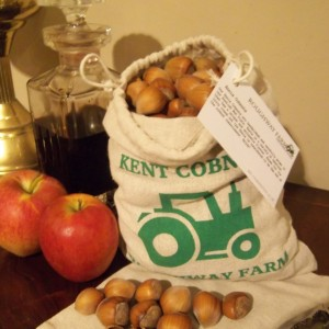 500g – 1Kg: Dehusked Ennis Cobnut Gift Bag