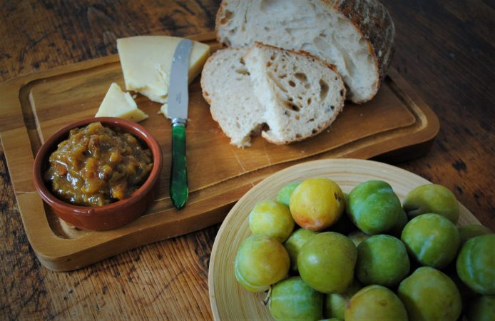 Bowl of greengages with Cobnut and Greengage Chutney